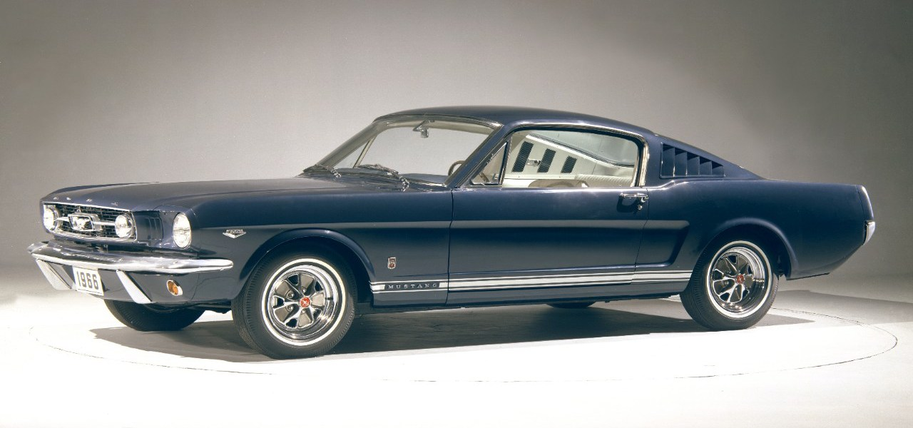 1966_Ford_Mustang_GT_fastback_blue_CN3806-005b____BLUE-1966-FORD-MUSTANG-GT-FASTBACK